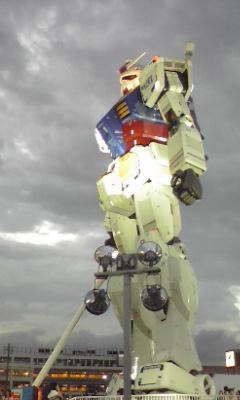 静岡ガンダム ライトアップされてきました